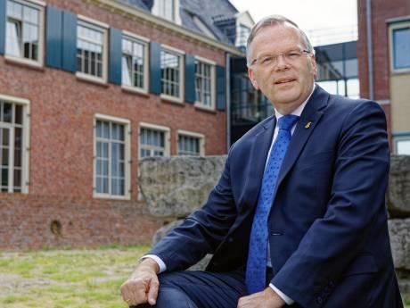 Oud-burgemeester Cromstrijen favoriet voor de post van eerste burger Hoeksche Waard