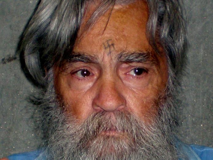 Charles Manson is na 45 jaar gevangenis overleden, hij werd 83 jaar.