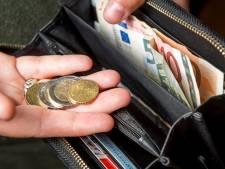 VVD en PAB: bezuinig op inburgeren om te besparen op sociale diensten
