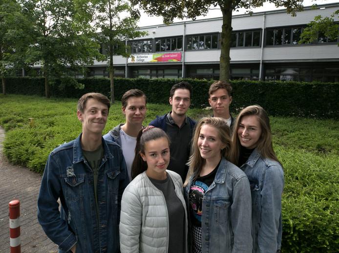 Leerlingen van het Rythovius College in Eersel.