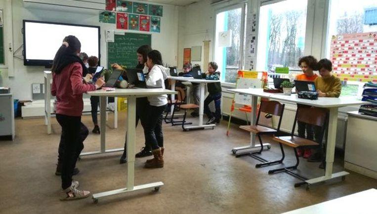 In basisschool Paalbos in Sint-Kruis staan de leerlingen wat vaker recht.