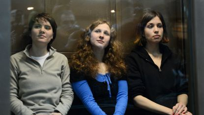 Rusland moet drie leden van Pussy Riot schadevergoeding van ruim 48.000 euro betalen