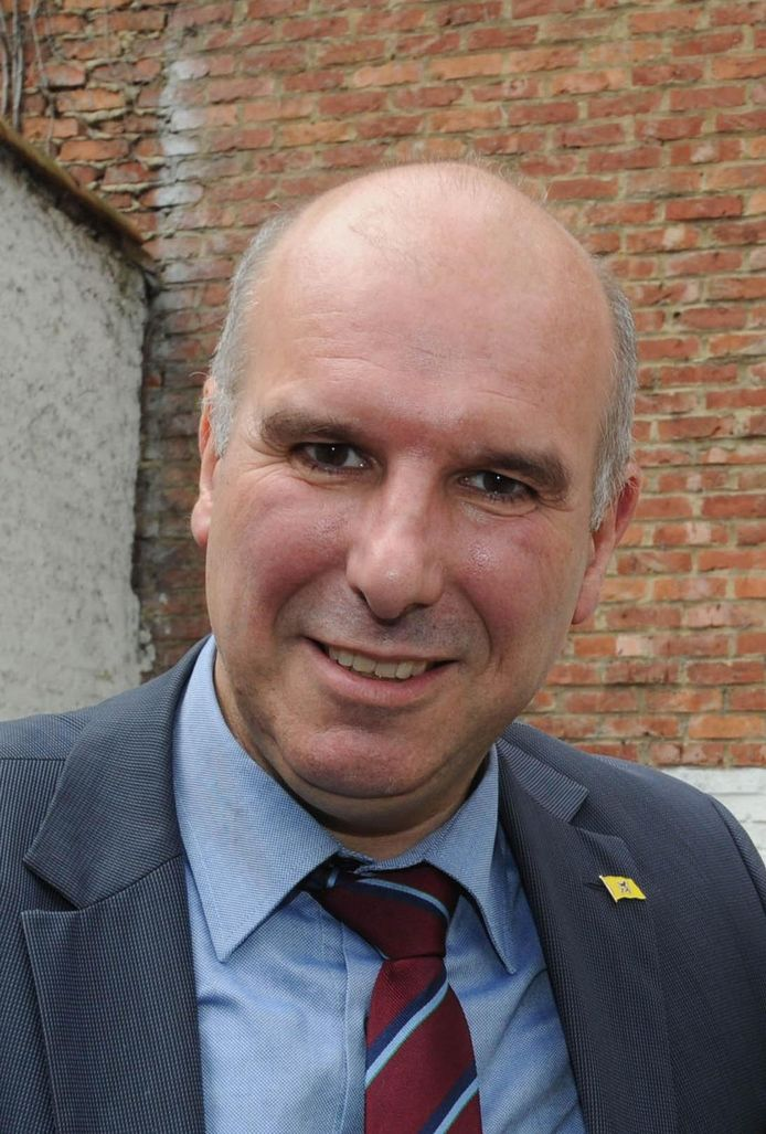 Gemeenteraadslid Marc Hendrickx (N-VA) woonde een congres bij rond de onafhankelijkheid van de regio Nagorno-Karabach in Azerbeidzjan. Dat wordt hem niet in dank afgenomen.