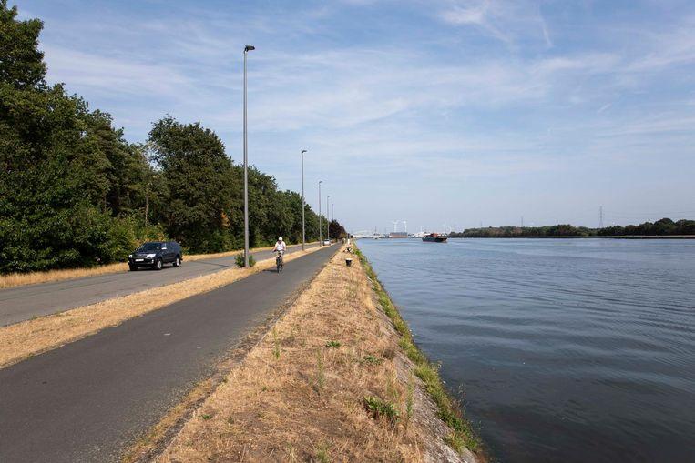 Links het groene Diepenbeek en rechts in de achtergrond het industriële Genk.