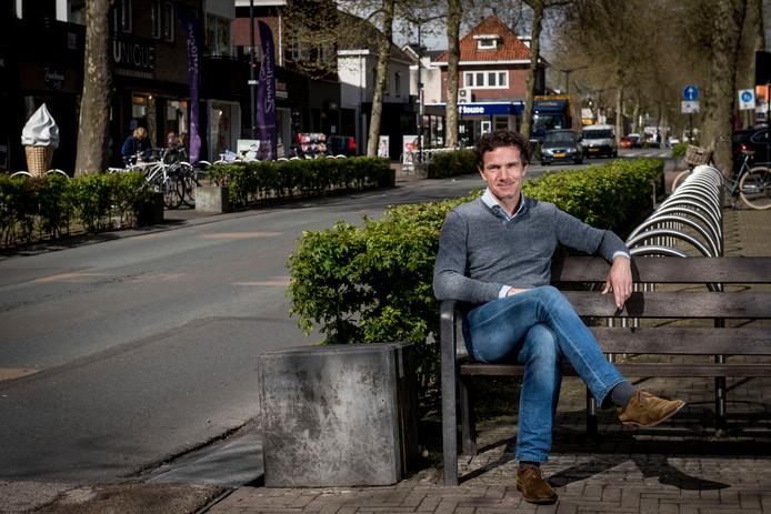 Centrumpromotor Manfred Körbl krijgt de komende drie jaar meer tijd om activiteiten en evenementen naar Nijverdal te halen.
