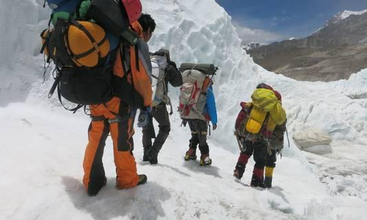 Onervarenheid van de klimmers zou oorzaak van ongelukken zijn.