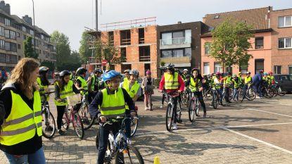 Meer dan 650 leerlingen leggen groot fietsexamen af