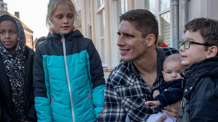 Rico Verhoeven zet zich in voor Bergs soepproject voor daklozen: 'Samen iets doen'