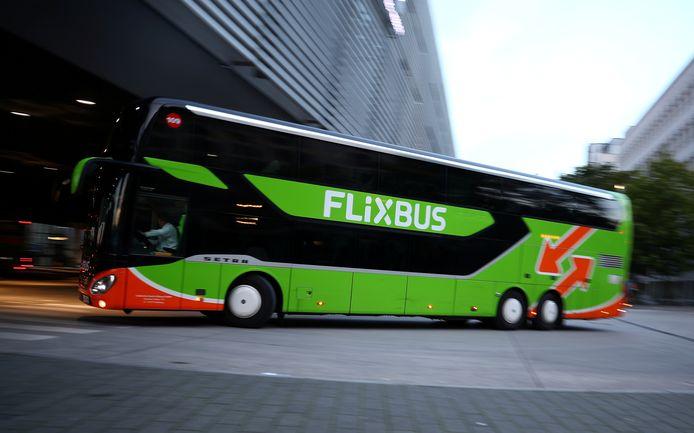 De Flixbus rijdt weer vanaf Rotterdam en voert meteen het aantal bestemmingen op.