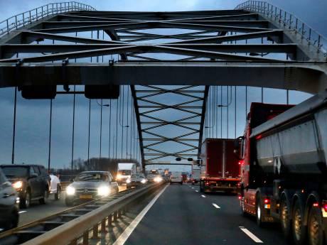 A27 naar Gorinchem tijdens maandagochtendspits veel drukker na afsluiting Dordtse N3