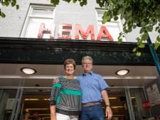 Na 39 jaar afscheid nemen van de Hema in Epe (en Vaassen), dat gaat Jos en Lily Zwart echt niet in de koude kleren zitten