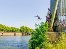 Zorgen om 'levensgevaarlijke' silo-springers in Merwedekanaal bij de Munt: wachten tot het misgaat