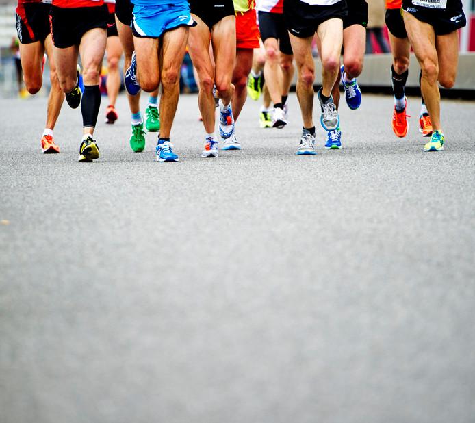 Door een genetische verandering kan de mens langer rennen dan dieren.
