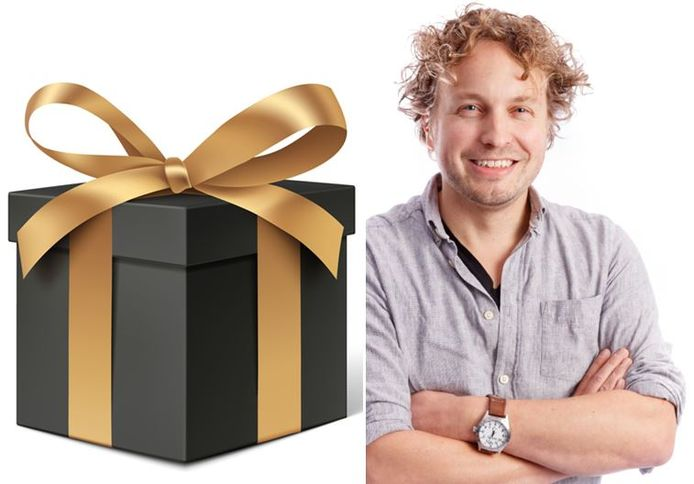 Heel goed dat openbaar is wat Kamerleden cadeau krijgen, vindt columnist Niels Herijgens. Wel jammer dat ze zo vaak de prijs niet weten.