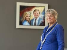 Twenterand neemt afscheid van burgemeester Annelies van der Kolk, de 'pittige tante'die van doorpakken weet