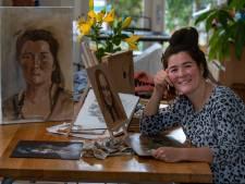 1,4 miljoen kijkers zien Monica uit Emmeloord tepels vergeten bij naaktportret in Project Rembrandt en afvallen
