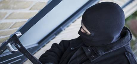 Politie onderzoekt woninginbraken in Tholen