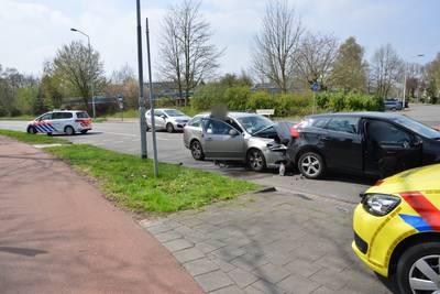 Aanrijding tussen twee auto's in Breda