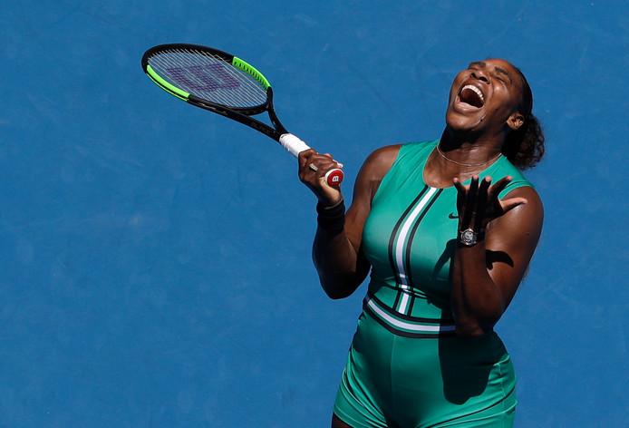 Serena Williams schreeuwt het uit van frustratie.