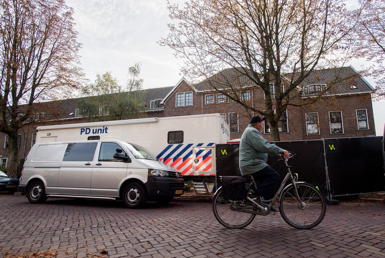 Onderzoek na de moord op de Van Oldenbarneveldtstraat in Arnhem.