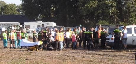 Auto rijdt publiek in bij Autocross Leende, vier gewonden