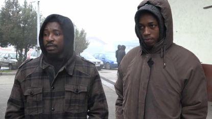 Tafeltennissers twee weken vast in vluchtelingenkamp nadat politie hen verkeerdelijk wegstuurt