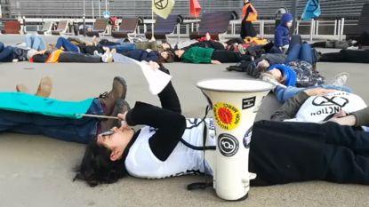 Milieuactivisten voeren actie in Brusselse Wetstraat