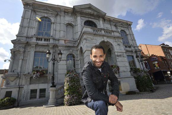Acteur en Vilvoordenaar Fouad Hajji werd gisteren ontvangen op het stadhuis.