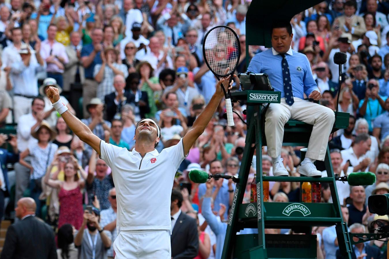 Roger Federer juicht.