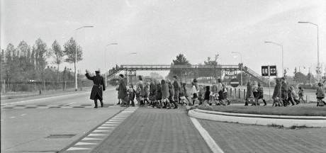Leger bouwde veilige oversteek voor schooljeugd Maarheeze in 1965