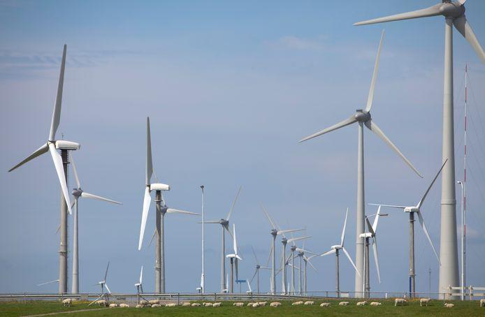 Om de 49 procent Co2-reductie in 2030 te halen, wordt op dit moment onderzocht of er zeven windmolens kunnen worden gebouwd tussen Amersfoort en Soest, en nog eens zeven tussen Amersfoort en Leusden