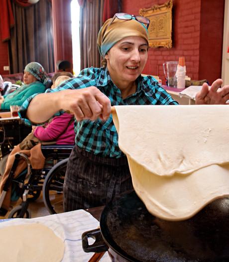 Antonia krijgt zorgwoning voor Turkse ouderen