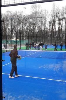 Vinkeveense tennisvereniging laat twee padelbanen aanleggen