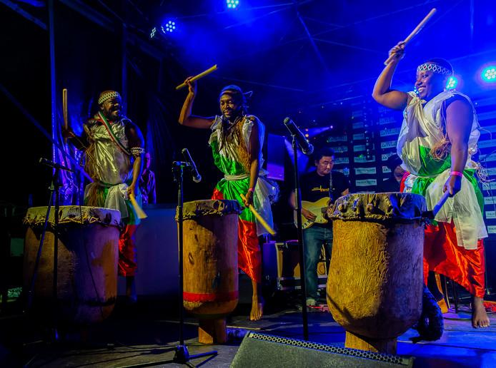 De drummers Jampara & the Batalion uit Burundi.