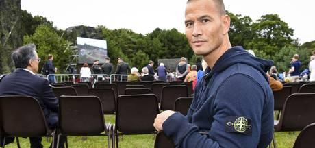'Zet stoelen neer bij herdenkingen'