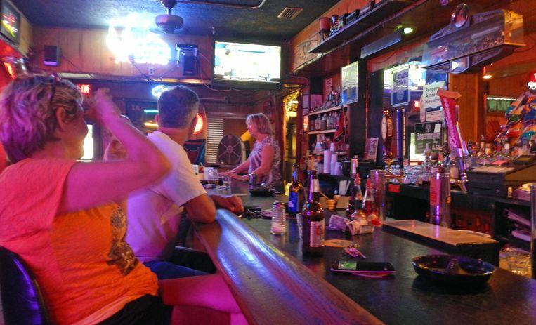 De consumptie van alcohol ter plaatse in een café is met onmiddellijke ingang verboden in Florida.