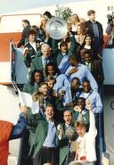 1993: Landskampioen Feyenoord arriveert op Zestienhoven.