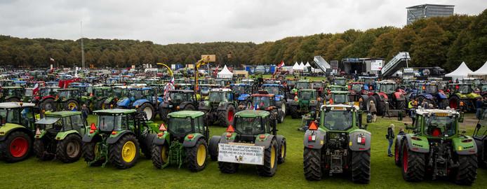 Honderden tractoren op het Malieveld.
