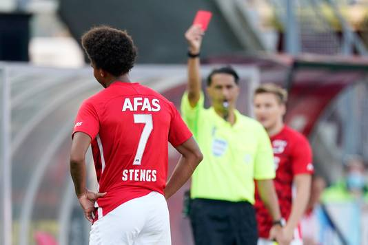Calvin Stengs of AZ Alkmaar receives a red card during AZ Alkmaar - PEC Zwolle NETHERLANDS ONLY COPYRIGHT SOCCRATES/BSR