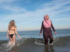 Islamitisch raadslid wil halalstrand: 'Moslims voelen zich onprettig bij schaars geklede, lelijke mensen'