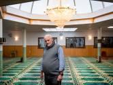 Moskee Masjid in Almelo wil de deur wagenwijd openzetten