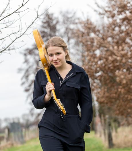 Marise (17) uit Baak wint Kunstbende en wacht optreden op Lowlands
