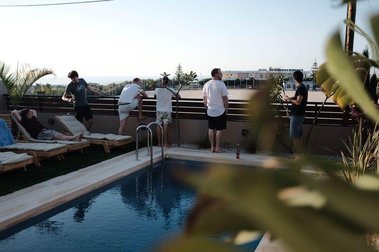 Een remote-working-vakantie van het bedrijf Qikker op Kreta. Beeld Qikker