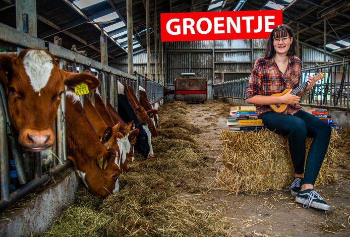 Marije Stigter op de boerderij van haar ouders in Ter Aar. In plaats van een toekomst op de boerderij ziet ze meer in een carrière als wetenschapper.