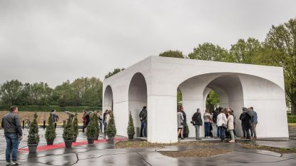 Onthaalpaviljoen Duits kerkhof ingehuldigd