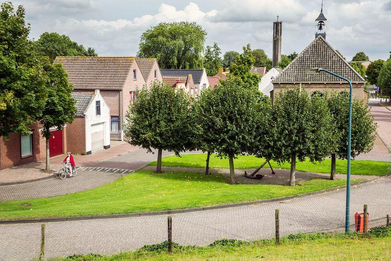 Zicht op de H. Stephanes kerk in het centrum van Moerdijk. Beeld arie kievit