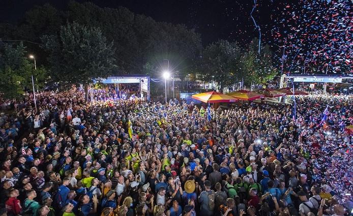 Duizenden wandelaars staan te popelen om te beginnen aan de 100ste Vierdaagse.