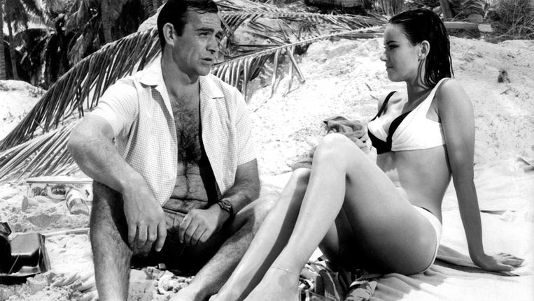 Sean Connery als 007 in Thunderball (1965) Beeld Getty Images