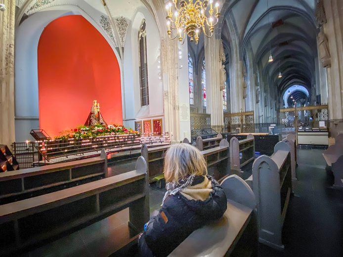 Een nagenoeg lege Sint-Jan. Zelfs met kerst zal het er niet heel druk zijn vanwege de coronamaatregelen.