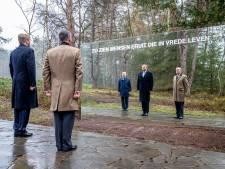 Robert uit Laren ontroerd als de koning in Loenen 'zijn' begraafplaats opent: 'Dit doet wel wat met me'